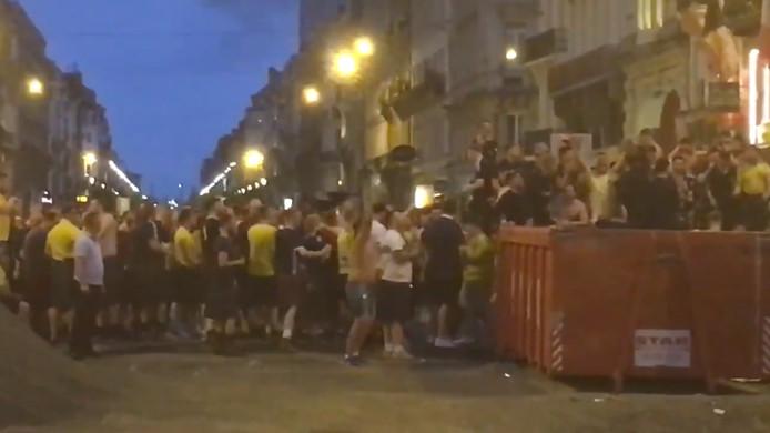 Les supporters écossais déjà en forme dans les rues de Bruxelles.