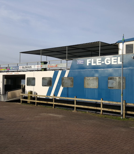 Veerpont tussen Zeewolde en Horst ligt er drie weken uit: scholieren de dupe