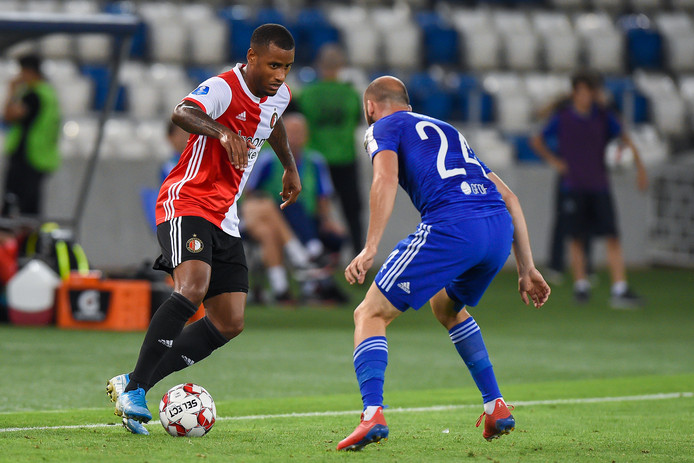 Luciano Narsingh in duel.