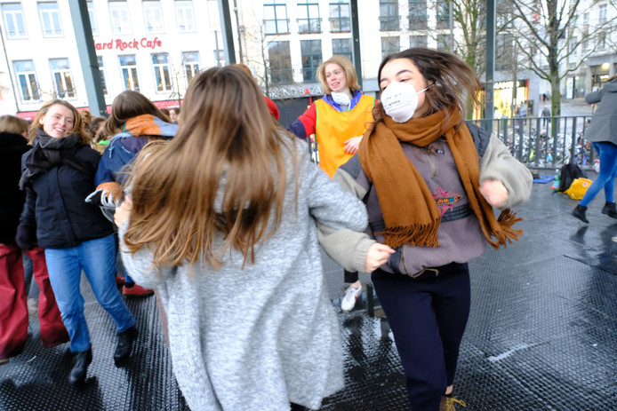 Ook in Antwerpen brossen de leerlingen voor het klimaat.