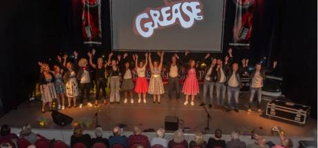 """Show """"Stars on Stage"""" door Au3 Smiths Music groot succes"""
