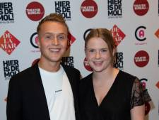 Zoon Linda de Mol 'huilt in het vliegtuig' en Bridget showt strak lijntje