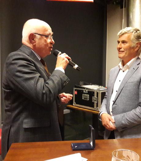 Gouden KNVB-speld voor Treffers-voorzitter Bert Janssen