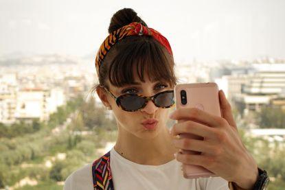 Een 'selfie' nemen? Dan lijk je onzeker en niet aardig