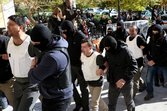 De arrestatie van de verdachten in 2017. In het midden Burak A. uit Eindhoven.