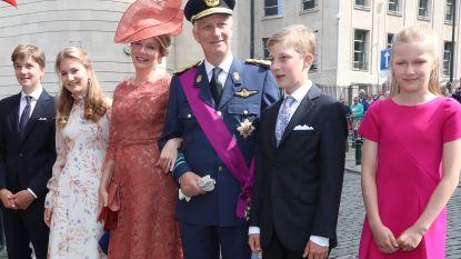 Vorstenpaar en kinderen wonen Te deum bij in Brussel