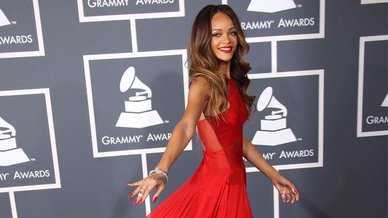 Rihanna op de Grammy Awards in 2013 in een jurk van Azzedine.