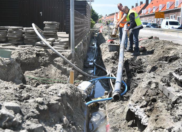 Aan de Poelendaeleweg in Middelburg zijn vorig jaar gasleidingen van asbestcement vervangen.