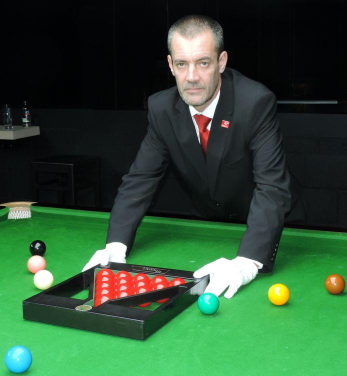 Snookerref Olivier Marteel op archiefbeeld.