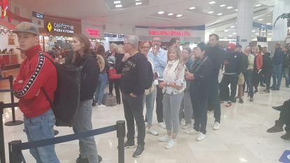 """350 Belgen kunnen na 4 dagen eindelijk vertrekken uit Mexico: """"Net op tijd, want de emoties laaiden stilaan hoog op"""""""