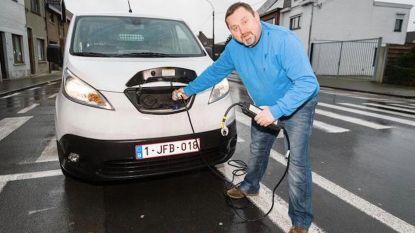 """Eigenaar elektrische wagen wil geld terug: """"Geen 175 maar amper 75 km bereik"""""""
