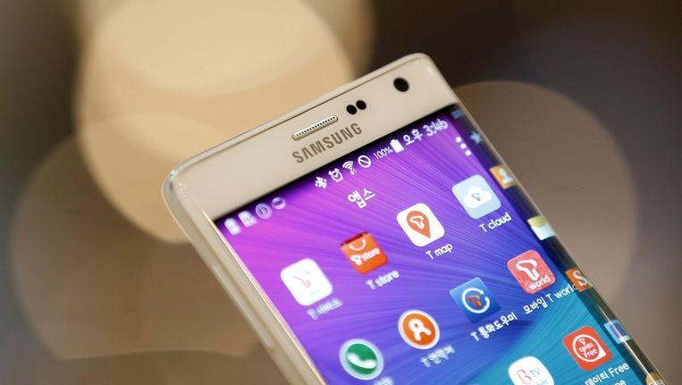 Een Samsung smartphone met besturingssysteem Android. Beeld Reuters