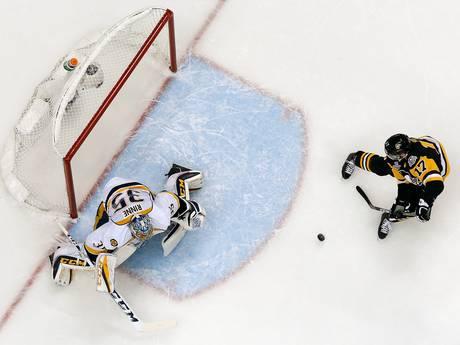 Pittsburgh Penguins  deelt eerste tik uit in Stanley Cup