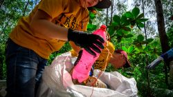 Natuurreservaat in Thailand stuurt afval van kampeerders per post terug