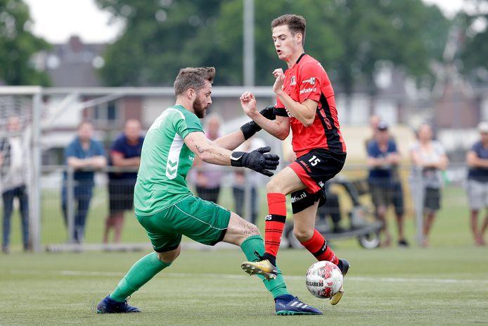Sander Vereijken speelde tien jaar voor Mierlo-Hout. Hij was voor even terug op het oude nest, maar nu als speler van Helmond Sport.