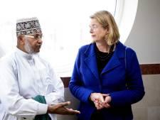 Moskeeën stellen gebedsruimtes open om samen de aanslagen te verwerken