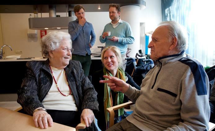 Hannie van Leeuwen, hier 88 jaar oud, voor het laatst op campagne met CDA-jongeren.