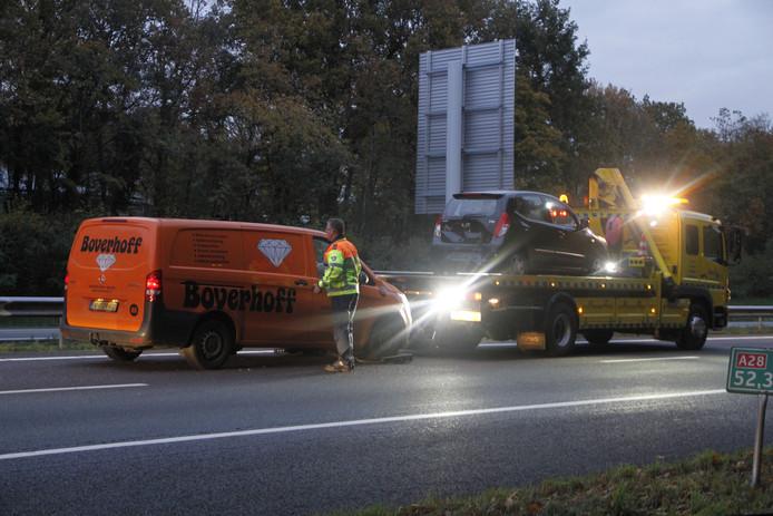 Op de A28 ter hoogte van Harderwijk botsten meerdere voertuigen op elkaar.