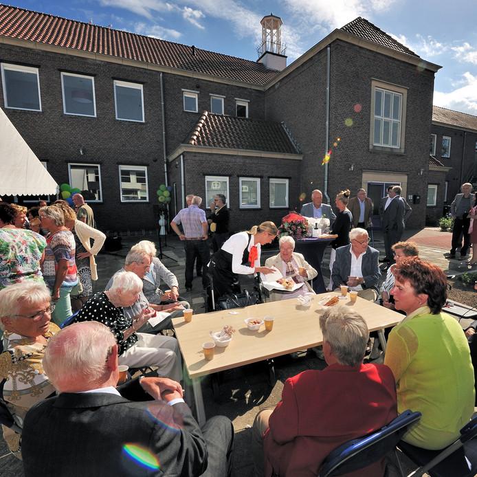 Vrijdag was de officiële opening van het Reginahof in Steenbergen.
