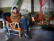 Doodzieke Henk uit Sprundel verkoopt 900 kerstbomen om te voorkomen dat hij uit huis wordt gezet