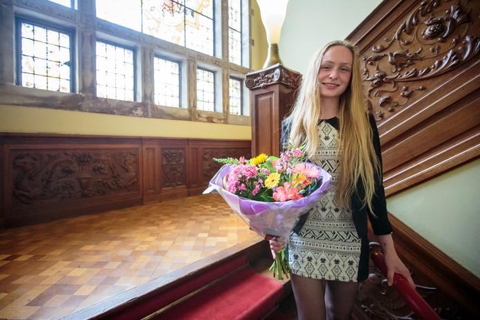 Janna Slangen, winnares van de essaywedstrijd