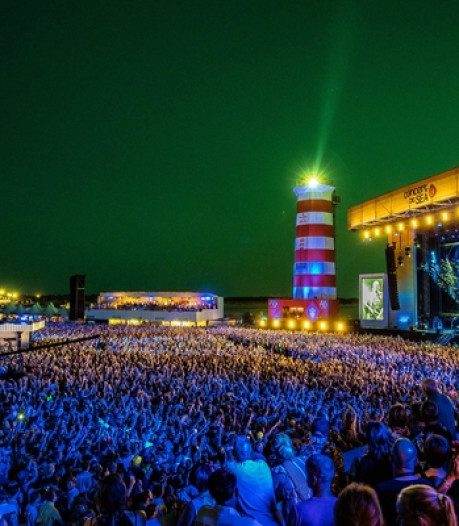 The Script, Kensington en Crowded House op Concert at Sea