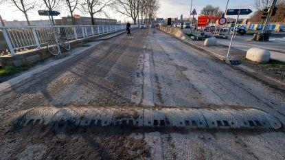 Bestuurders rijden banden en velgen stuk op 'onzichtbare' drempel