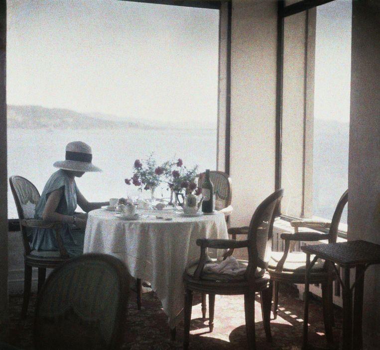Bibi au Restaurant d'Eden Roc Cap d'Antibes, 1920 Beeld J. H. Lartigue, Ministère de la Culture - France /AAJHL