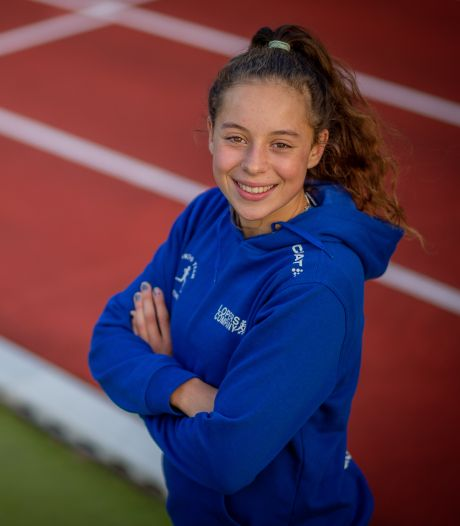 Atlete Yasmine Abbes na dubbele titel superblij met 'grap' van trainer
