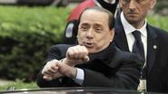 Berlusconi blijft de rijkste, ook na 90 procent minder inkomen