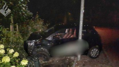 Jongen crasht ladderzat met auto van de baas, maar wil wél rijexamen doen