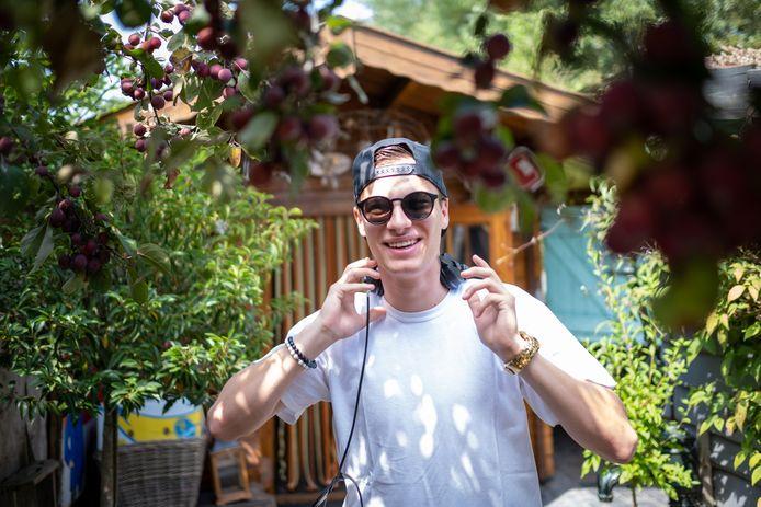 DUFFEL DJ 5NAPBACK aka Laurens Van Herck draait op Tomorrowland