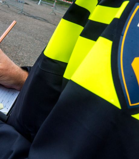 Politie beëindigt tuinfeest in Heesch, bewoners schenden coronamaatregelen