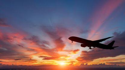 """Ticketprijzen namen laatste jaren duikvlucht en het wordt nog goedkoper: """"Binnenkort vlieg je gratis"""""""