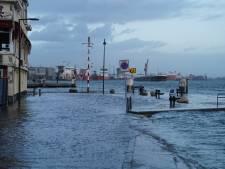 Vlaardingen en Maassluis verwachten hoogwater en sluiten kades