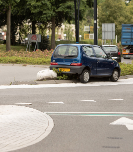 Politie laat auto brokkenpiloot in Soest staan