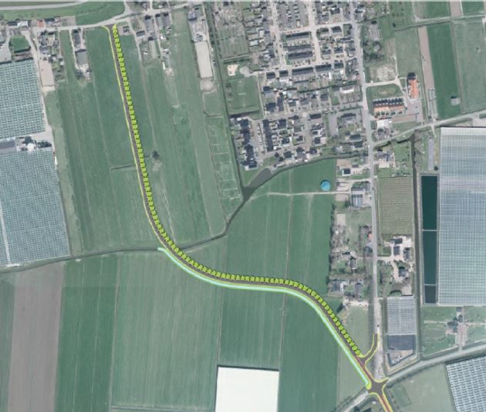 De nieuwe rondweg bij Nieuwaal begint op de kruising Jacob Ekelmansstraat-Hogeweg en loopt via de weilanden in de richting van de Beemstraat. Langs het hele stuk zijn bomen ingetekend.
