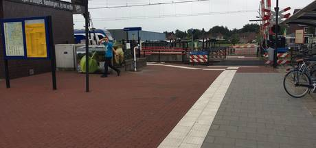 Spoorbomen blijven open terwijl treinen gewoon doorrijden