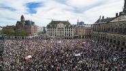 """Massademonstratie in Amsterdam met 5.000 betogers wekt woede: """"Dit is klap in gezicht"""""""
