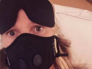 En route pour Paris, Gwyneth Paltrow s'inquiète du coronavirus
