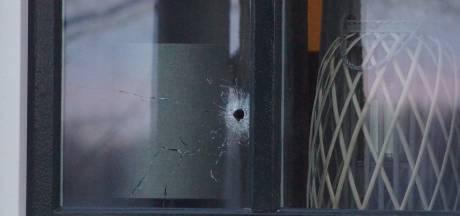 Nieuwsoverzicht | Motorcrossers slaan mobiel uit handen van wandelaar - Duo richt ravage aan in hotelkamer