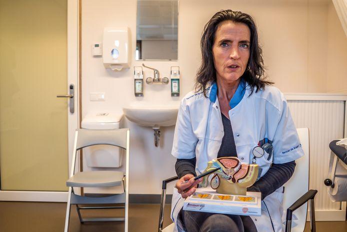 psycholoog Anja Ladenberg over de prostaatkankermaand