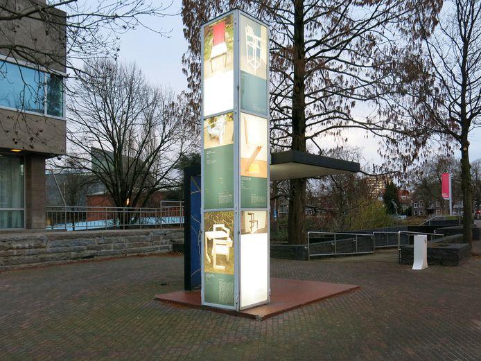 De abri van Gerrit Rietveld in Eindhoven, met werk van Lucas Maassen