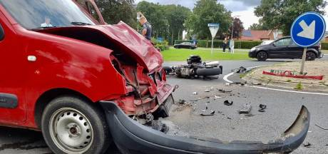 Motorrijder met spoed naar ziekenhuis na ongeval in Langeveen
