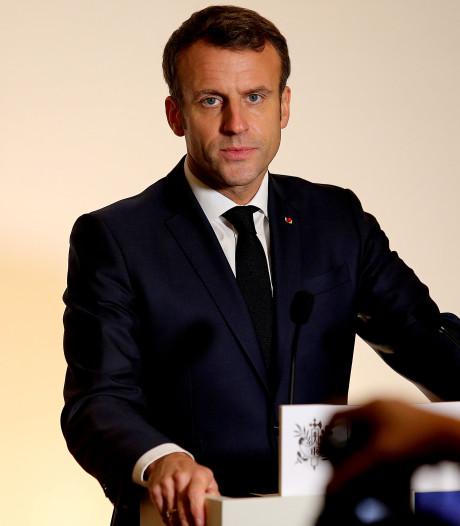"""Macron condamne les violences de ceux qui """"ont perverti"""" le mouvement des """"gilets jaunes"""""""