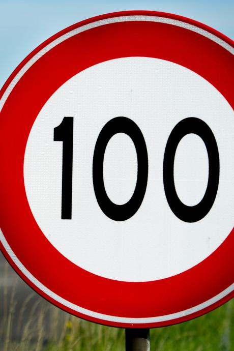 Verlaag maximumsnelheid naar 100 km, zeggen wethouders uit de regio Arnhem-Nijmegen