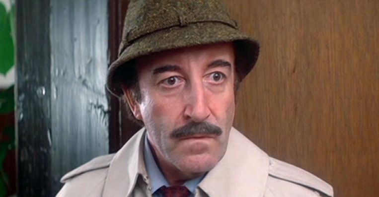Peter Sellers in The Return of the Pink Panther. Beeld