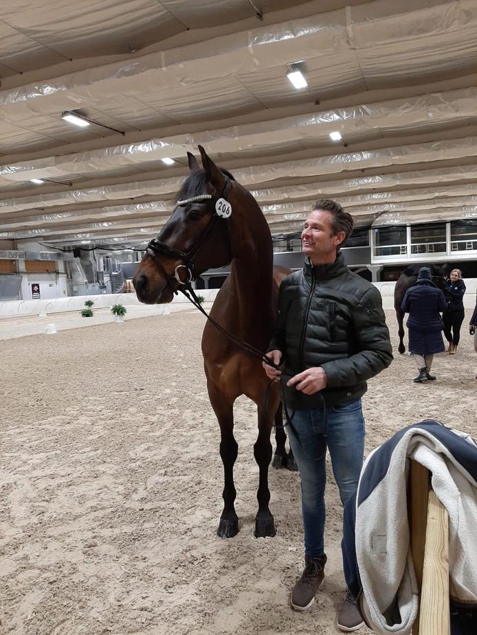 Dressuurruiter Nars Gottmer met Figaro.