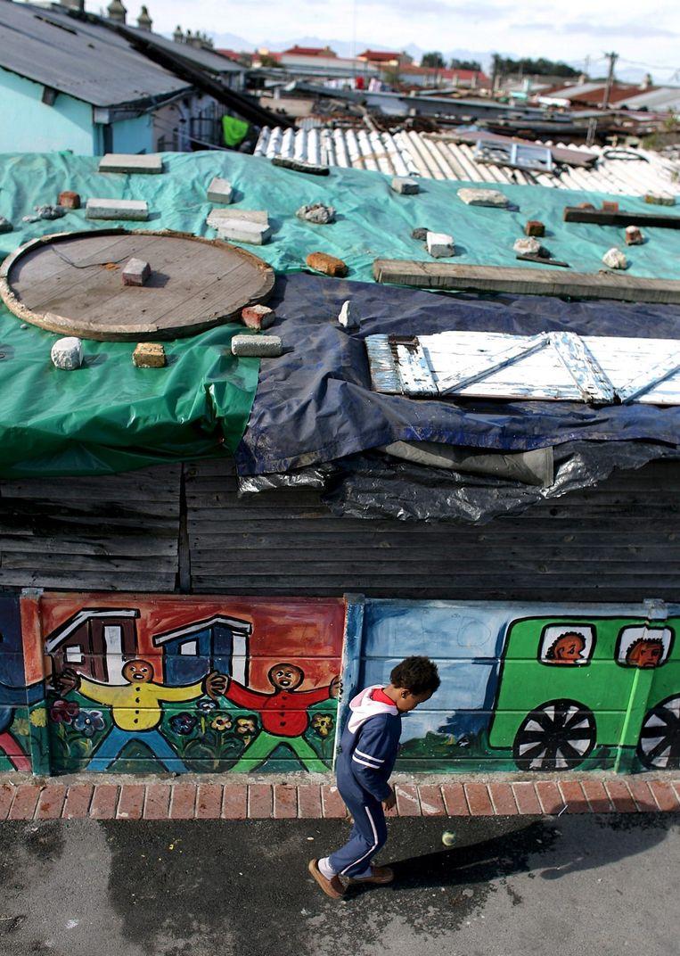 Het straatbeeld van township Langa in Kaapstad. Beeld null