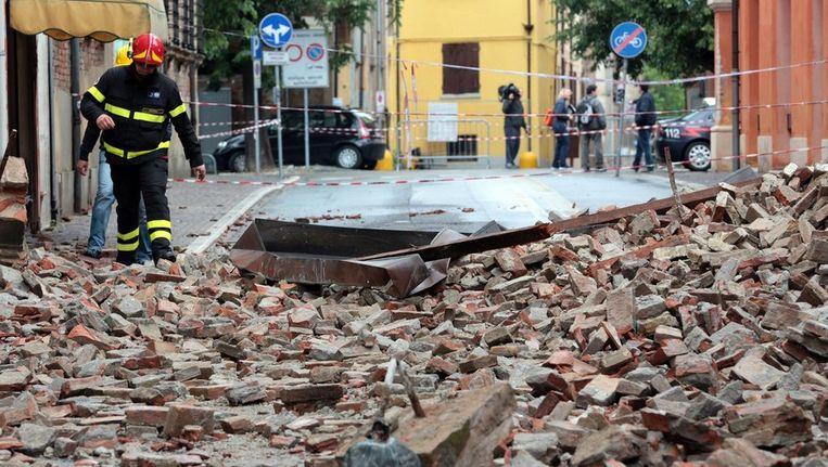 Een door de aardbeving ingestorte kathedraal in Finale Emilia. Beeld epa